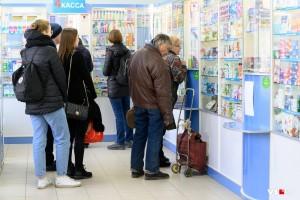 Покупатели меняют свое поведение по образцу апреля-мая. Спрос перемещается в продовольственные категории из сервисных.