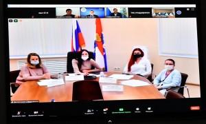 Вместе с Дмитрием Азаровымчлены собрания обсудили план работы на текущий год, основные задачи, стоящие перед организацией, избрали руководящий состав собрания.
