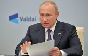 По словам президента, если бы в России хотели отравить Алексея Навального, его бы вряд ли отправили лечиться в Германию.
