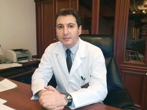 Вопросы стационарного лечения пациентов сCOVID–19 стали темой очередного обращения министра здравоохранения СО Армена Беняна в прямом эфире в соцсети Инстаграм.