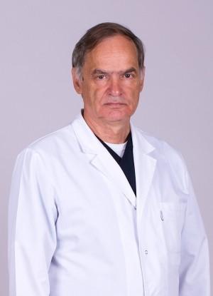 Вся его жизнь – бесконечная преданность педиатрической службе и служение маленьким пациентам.