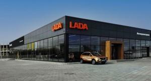 Это позволит укрепить позиции российской марки, которая уже является лидером белорусского рынка (по итогам сентября, самой продаваемой моделью в Беларуси стала LADA Vesta).