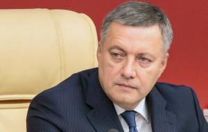 В пресс-службе регионального правительства уточнили, что Игорь Кобзев находится в стабильном состоянии, но ему требуется круглосуточное наблюдение медиков.