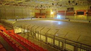 Комплекс «Салют» состоит из двух сблокированных корпусов: универсального игрового спортивного зала и плавательного бассейна.
