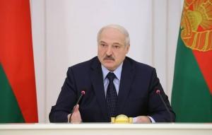 """По словам белорусского лидера, большинству уезжающих учиться за рубеж там """"мозги промоют"""", а потом """"подкинут как пятую колонну"""" обратно в республику."""