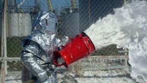 Пена в качестве огнетушащего средства применяется успешно в современном мире при тушении легковоспламеняемых и горючих жидкостей.