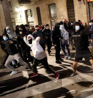 В Испании после ужесточения ограничений прокатилась волна массовых протестов