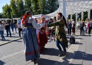 С Днем народного единства земляков поздравил Губернатор Самарской области Дмитрий Азаров
