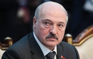 В санкционный список также попали 14 высокопоставленных чиновников страны.