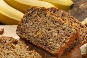 Улучшить эмоциональное состояние можно с помощью пищи с высоким содержанием витаминов B и D, а также магния, цинка и йода.