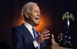 По прогнозам Fox News, кандидат от демократов выиграл в Пенсильвании и Неваде.