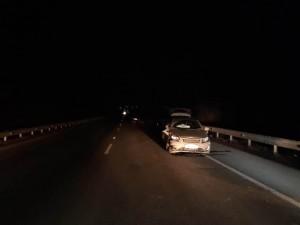 В Волжском районе машина влетела в отбойник и ВАЗ
