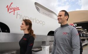 В специально сконструированной капсуле проехали два человека, в том числе сооснователь стартапа Джош Гигель. Вакуумный поезд набрал скорость 172 км/ч.
