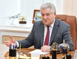 Накануне рассмотрения бюджета свою оценку принимаемым мерам дал председатель Самарской губернской думы Геннадий Котельников.