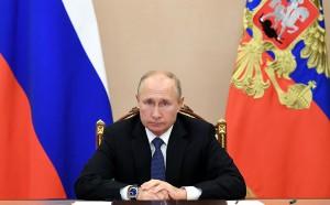 Президент призвал поддержать глав Армении и Азербайджана, подписавших соглашение об урегулировании в Нагорном Карабахе, и заявил, что Россия рассчитывает на долгосрочный мир в регионе.