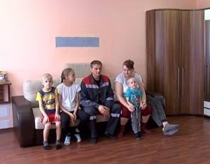 Раньше семье приходилось ютиться в двухкомнатной квартире. Всего 13 человек.