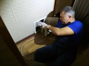 В Сызрани спасли котенка, который сорвался в вентиляционную шахту