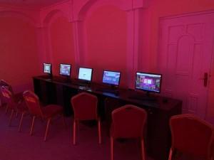 Полицейские изъяли 7 единиц компьютерного оборудования, с помощью которого осуществлялся выход в«Интернет» для получения доступа к азартным играм.