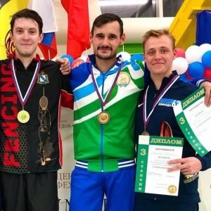 В турнире рапиристов выступали самарские фехтовальщики Кирилл и Антон Бородачевы.