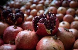 Они отмечают, что сок черноплодной рябины и граната обладают хорошими противовирусными свойствами.