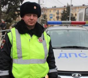 В Самаре сотрудник полиции помог экстренно доставить ребенка в больницу