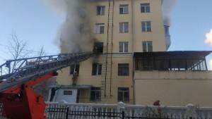 У Белого дома в Самаре произошел пожар, пострадали трое