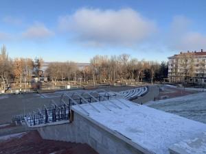 Монтаж одной из самых масштабных световых инсталляцийна склоне у площади Славы в Самаре завершен уже на 80%