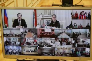 Дмитрий Азаровпообщался с самыми яркими представителями студенческой общественности региона.