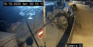 Самарские воры похитили металлические изделия со стройки прямо под камерами