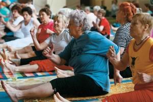 Тренировки для продления активного долголетия старшего поколения организованы Самарской федерацией ушу.