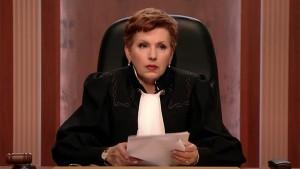 По некоторым данным, Дмитриева пообещала знакомому бизнесмену использовать свои связи, чтобы разрешить его спор с деловым партнером.