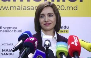 Избранный президент Молдавии также высказалась за замену миротворцев РФ в Приднестровье на миссию гражданских наблюдателей под эгидой ОБСЕ.