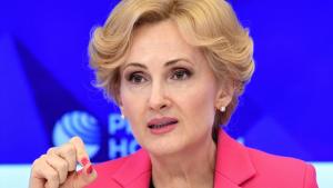 Вице-спикер Госдумы также предложила шире использовать помощь добровольцев в этом вопросе.