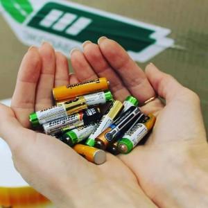 Акция посвященаэффективной переработке батареек и продвижению использования перезаряжаемых аккумуляторов вместо одноразовых батареек.