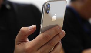 Несмотря на то, что во время старта продаж iphone-x получил очень много критики, сейчас он самым популярным среди покупателей и пользователей.