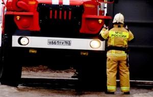 Очень тяжело проехать по заставленным автомобилями проездам на легковом автомобиле, а что говорить о пожарной машине?