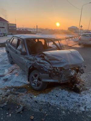 В Самаре автомобилистка на иномарке врезалась в ВАЗ