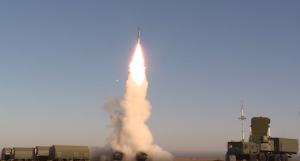 Самарские расчеты С-400 «Триумф» ЦВО провели первые боевые пуски в Астраханской области после перевооружения