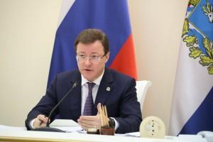 Дмитрий Азаровпровел заседание оперативного штаба по предупреждению завоза и распространения новой коронавирусной инфекции на территории СО.
