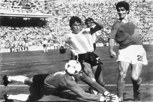 Умер знаменитый футболист Паоло Росси