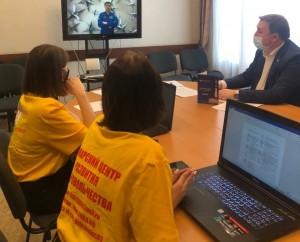 Завершился Первый социальный форум «Единой России». Добровольцы всей страны с интересом наблюдали за форумом онлайн.
