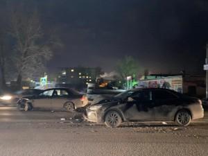 В Самаре автомобилистка на Митсубиси врезалась в Тойоту