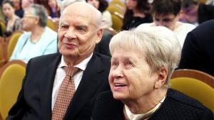 В начале ноября Александра Пахмутова отметила день рождения. Ей исполнился 91 год.