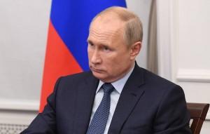 Путинподдержал предложение партии «ЕР» и поручил удвоить выплаты врачам, которые будут работать с пациентами с коронавирусом на новогодних президент также заявил, что ждет от правительства постановки амбициозных задач на 2021 год и масштабных достижений.