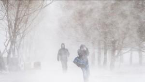 27 декабря ожидается сильный снег, на дорогах снежные заносы.