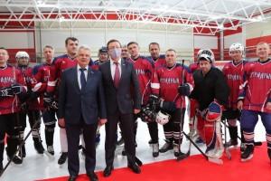 Уже сегодня на новой арене состоялся первый товарищеский матч – между совместной командой Похвистнево и Бузулука против игроков из Отрадного.