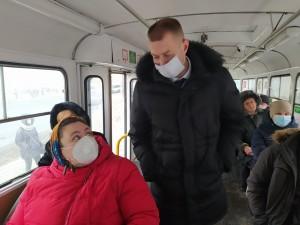 Тех, кто пренебрегает необходимыми в период пандемии санитарными требованиям, выявляют на всех видах транспорта.
