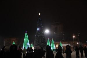 В новогоднюю ночь россиян больше всего раздражают фейерверки, нетрезвые люди и голубые огоньки