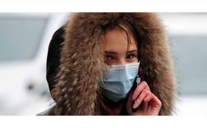 Ношение маски в мороз вредно для кожи, так как происходит эффект парника, когда появляется конденсат из-за разницы температур дыхания и воздуха.