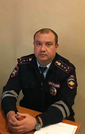 Полицейский в Самаре разыскал виновника ДТП, который в ночное время суток во дворе дома на улице Революционной повредил автомобиль